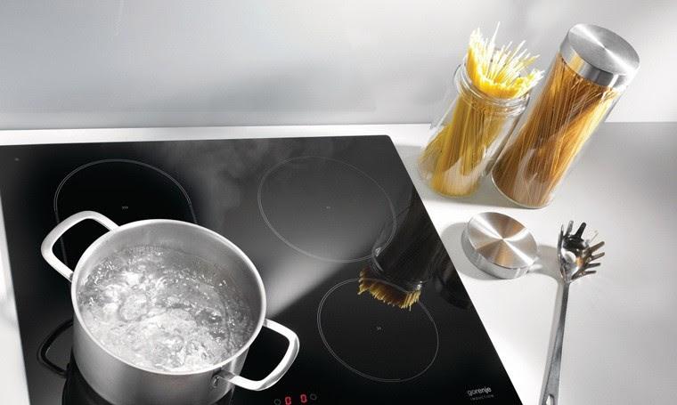 Hiện tượng bếp từ bị nóng và cách khắc phục
